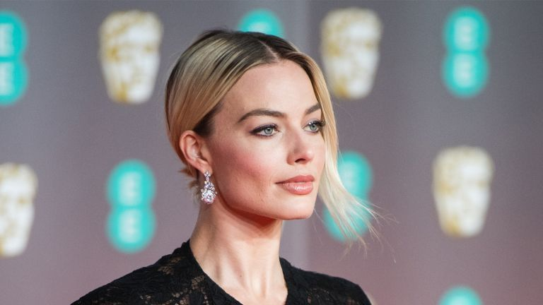 LONDON, ENGLAND - FEBRUARY 02: Margot Robbie attends the EE British Academy Film Awards 2020 at Royal Albert Hall on February 02, 2020 in London, England. (Photo by Samir Hussein/WireImage)