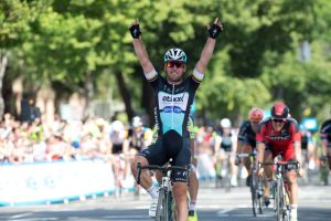 Mark Cavendish wins stage one of the 2015 Amgen Tour of California