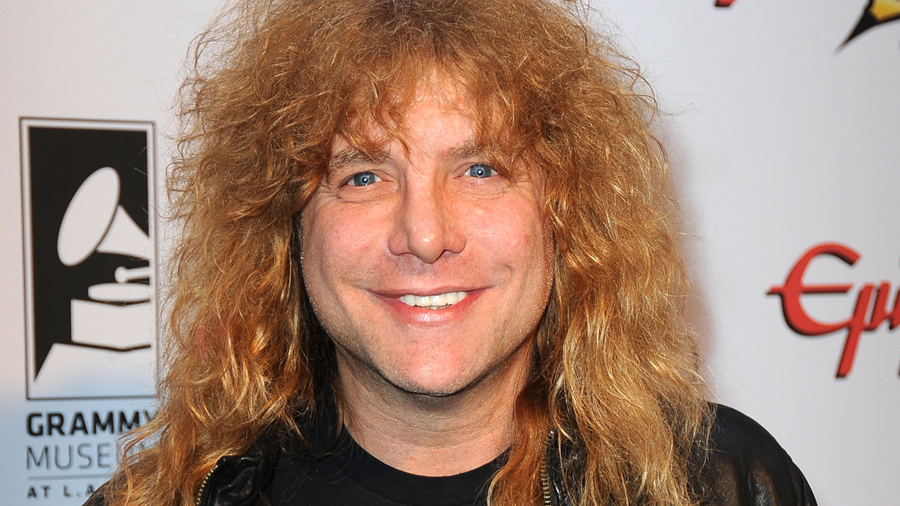 Steven Adler returns to the stage after stab wound drama