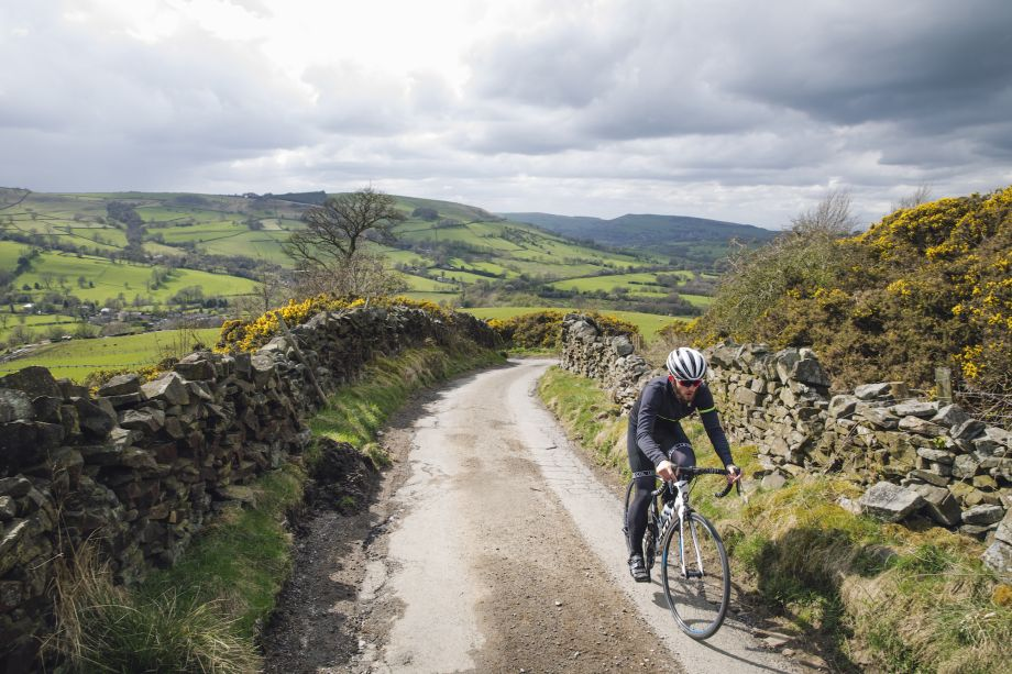 Six reasons why cycling in the Peak District is amazing