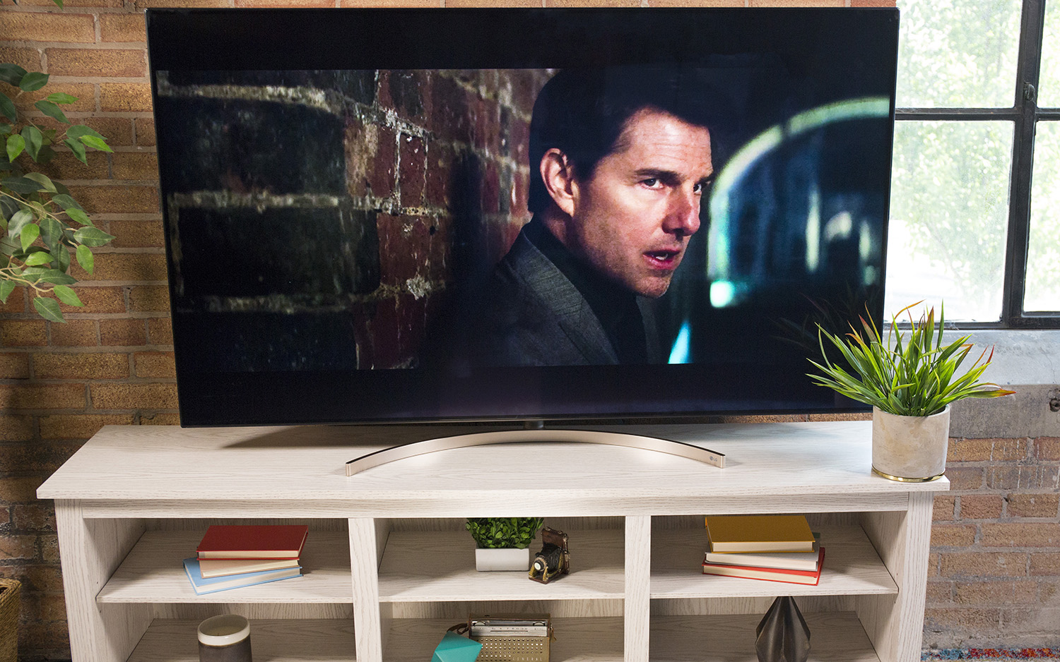 LG 65SK9500 Super UHD 65-Inch TV - Full Review and Benchmarks
