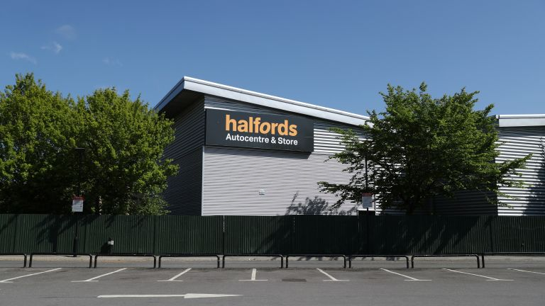 Halfords Boxing Day sale