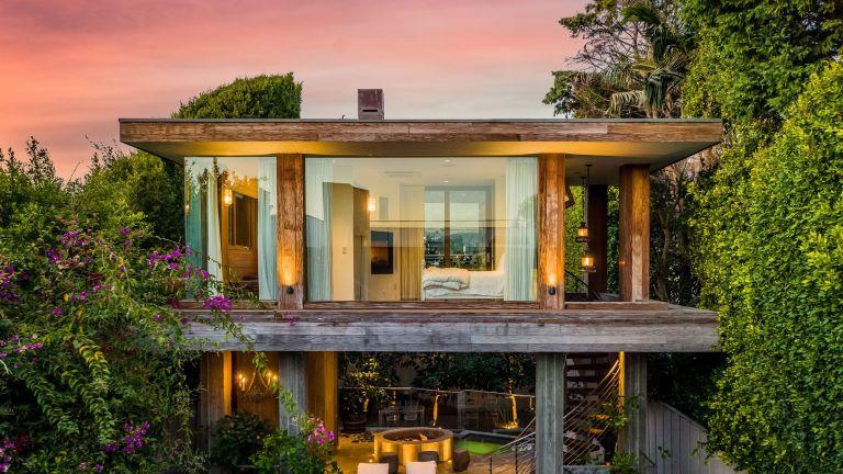 Pamela Anderson's house: Exterior of Pamela Anderson's Malibu Beach House