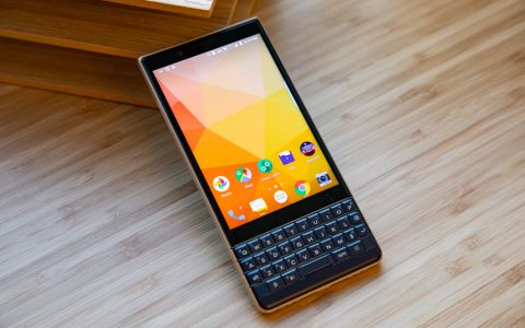 BlackBerry Key2 LE Review: The Keyboard You Can Afford