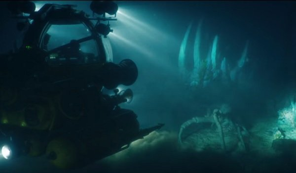 Jurassic World: Fallen Kingdom mini sub exporing the Indominous remains