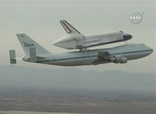 Shuttle Atlantis Gets Piggyback Ride Home
