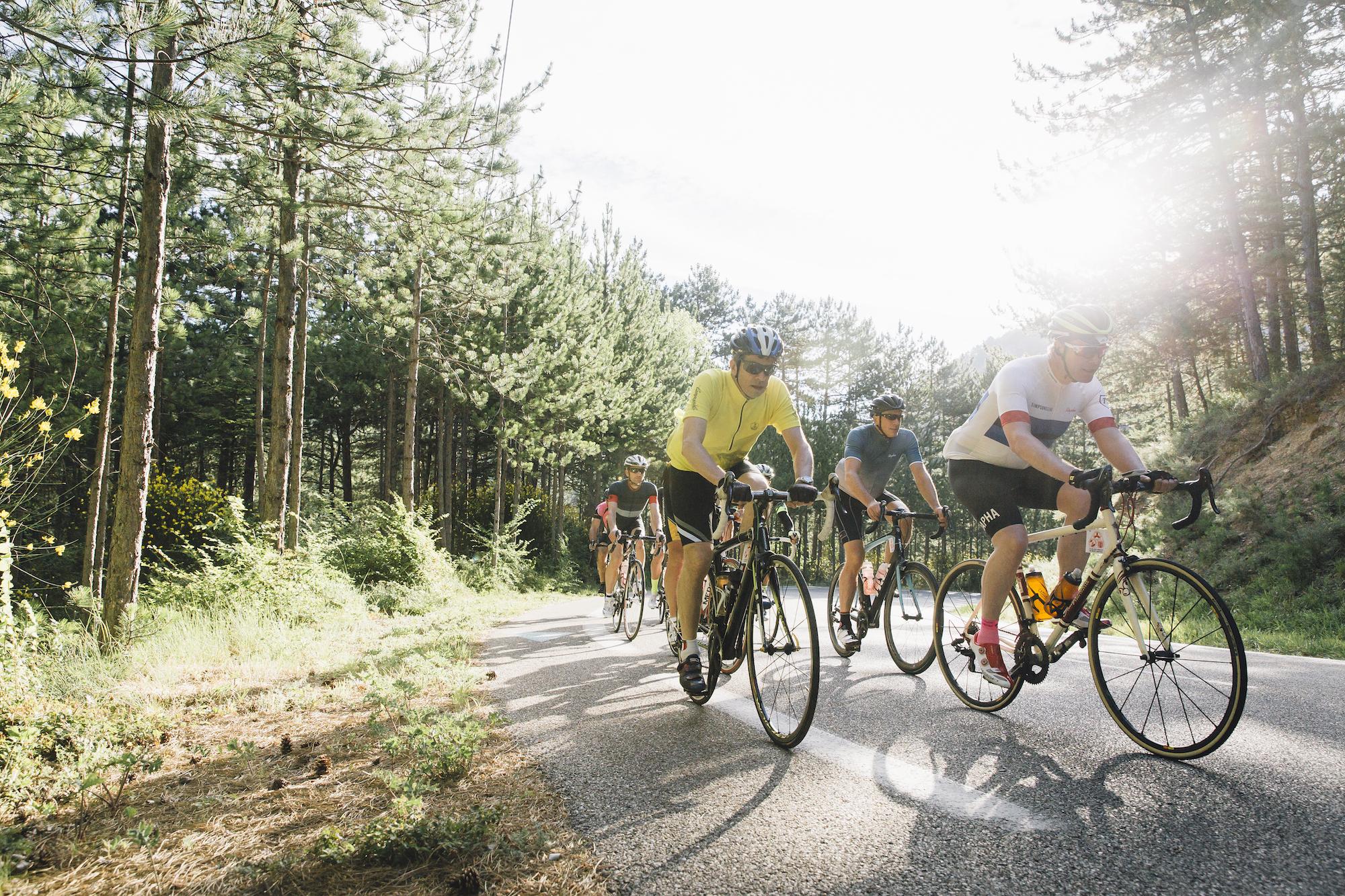Como pedalar em grupo - faça sua vez na frente