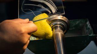 Lexus glass grinding