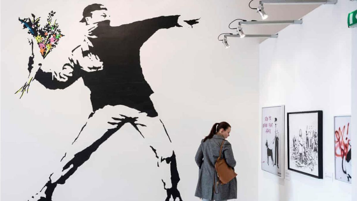 Banksy chooses anonymity over his trademark rights
