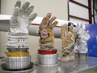 Spacesuit Gloves Can Make Astronauts' Fingernails Fall Off
