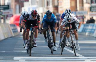 Alejandro Valverde (Movistar - center) sprints to fourth in Liège-Bastogne-Liège