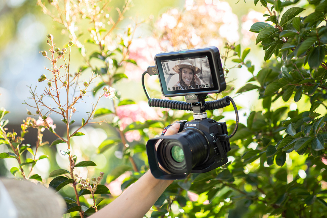 Atomos Shinobi gives the big picture for vloggers and filmmakers