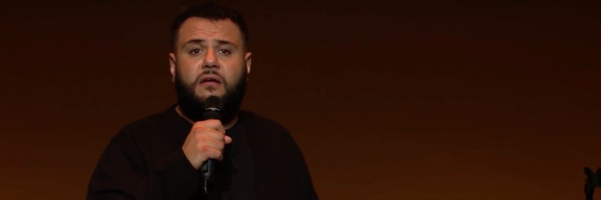 Mo Amer in Netflix standup special