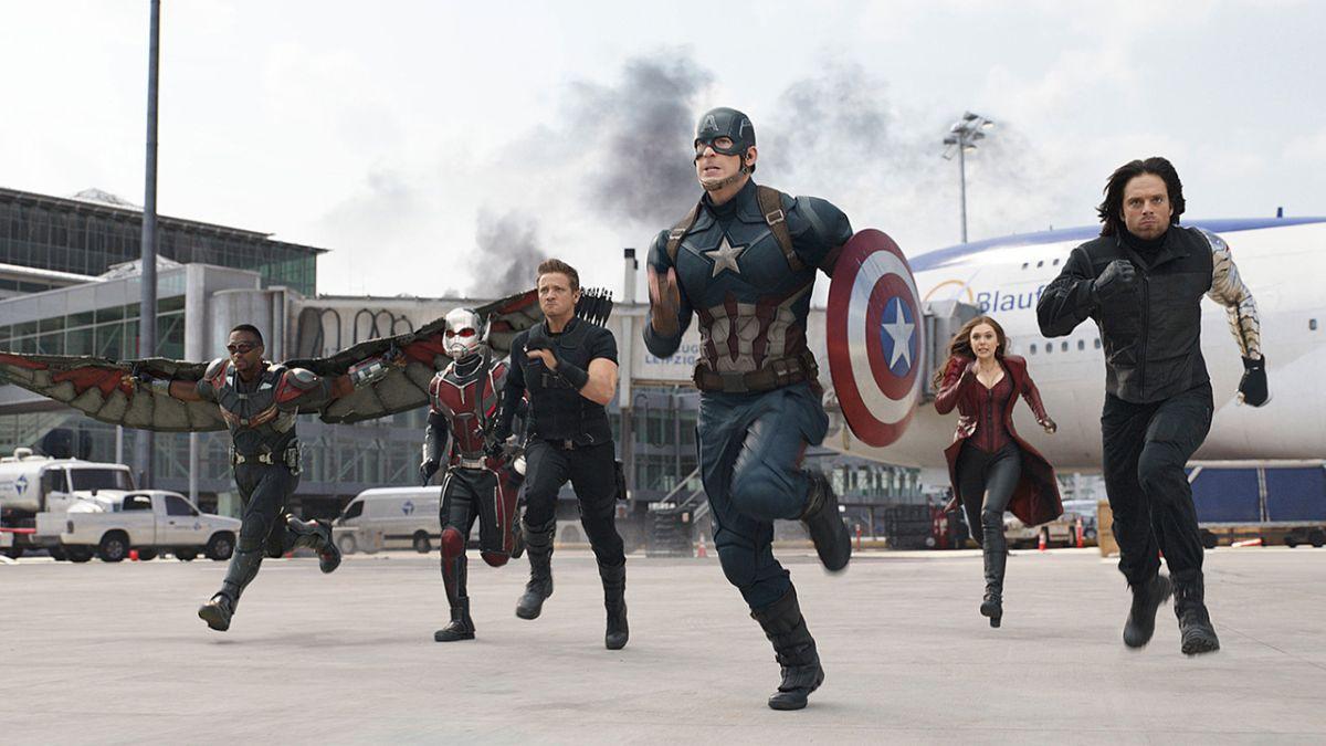 Resultado de imagem para avengers airport battle