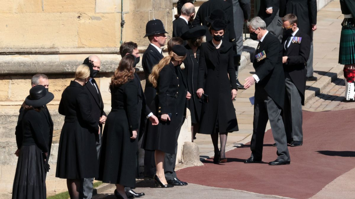 The Duchess of Cambridge's subtle tribute to the Queen at Prince Philip's funeral