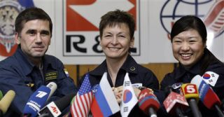 South Korea's First Astronaut Hospitalized With Back Pain