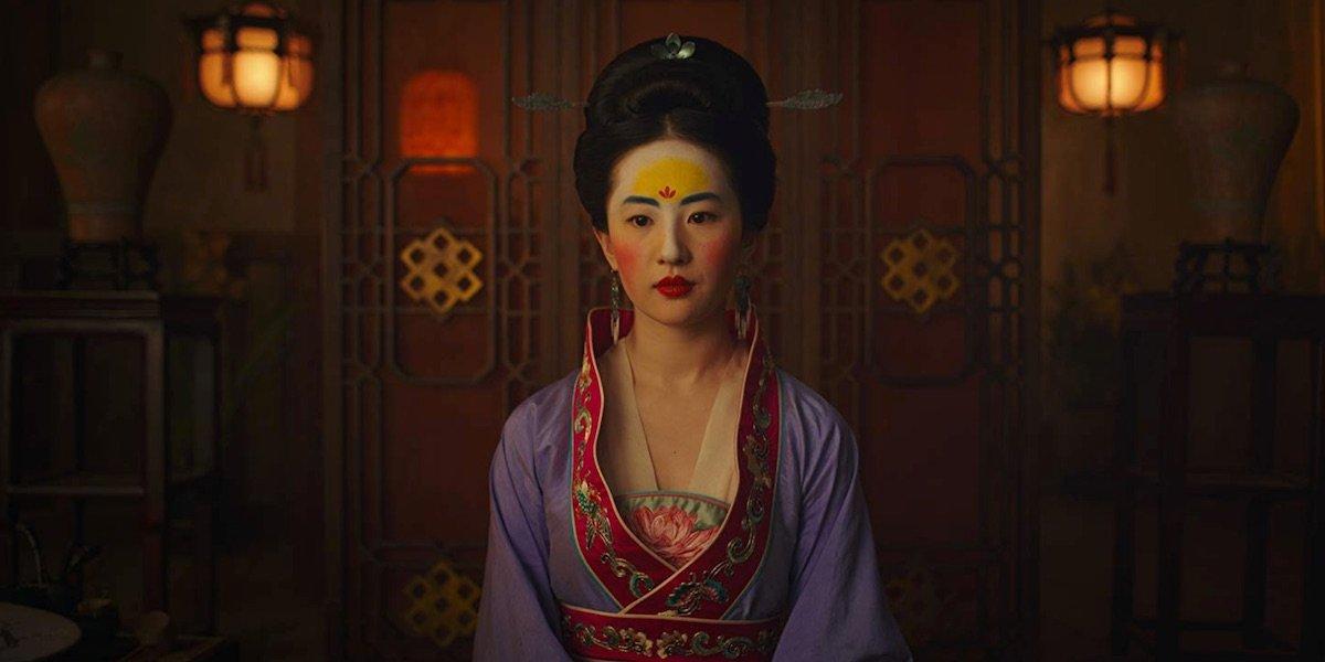 Mulan dressed for the matchmaker