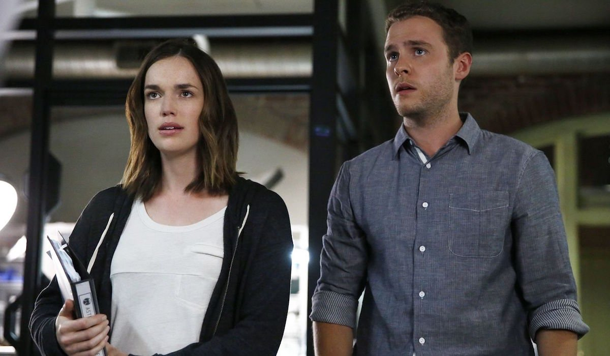 Iain De Caestecker and Elizabeth Henstridge as FitzSimmons in Agents of S.H.I.E.L.D