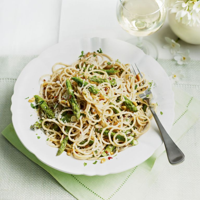 farro spaghetti with asparagus and pine nuts - healthy - quick spaghetti meal - woman and home