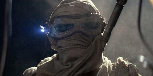 Star Wars Episode VII Le réveil de la force - Page 7 Dcf0353eb583c37f6490f9f9baabbb901df0af594d9af06714cccb0191415a8d
