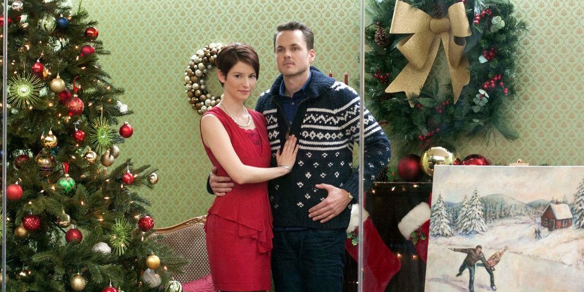 Chyler Leigh and Paul Campbell in Window Wonderland