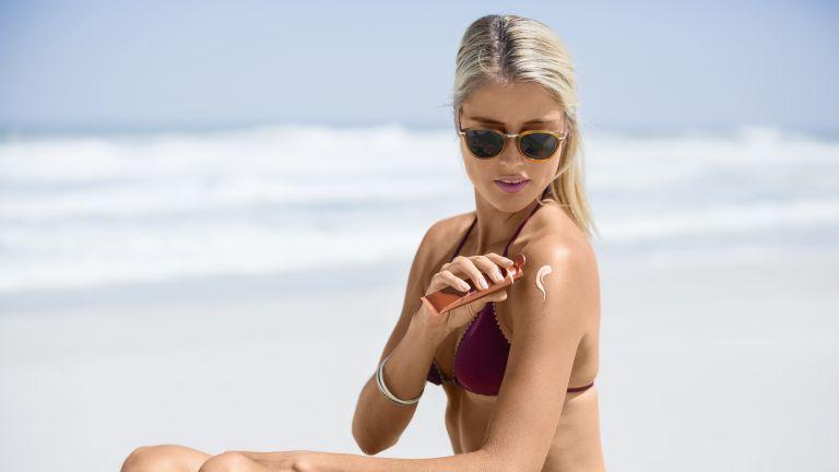 Beste zonnebrandcrème Beste zonnecrème bescherm je huid tegen UVA- en UVB-stralen | Beste zonnebrand lotion voor gevoelige droge en vette huid