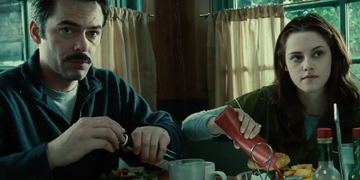 Billy Burke, Kristen Stewart - Twilight (2008)