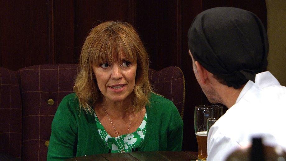 Rhona defends her relationship with Graham in Emmerdale