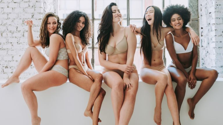best bra brands: group of women in underwear