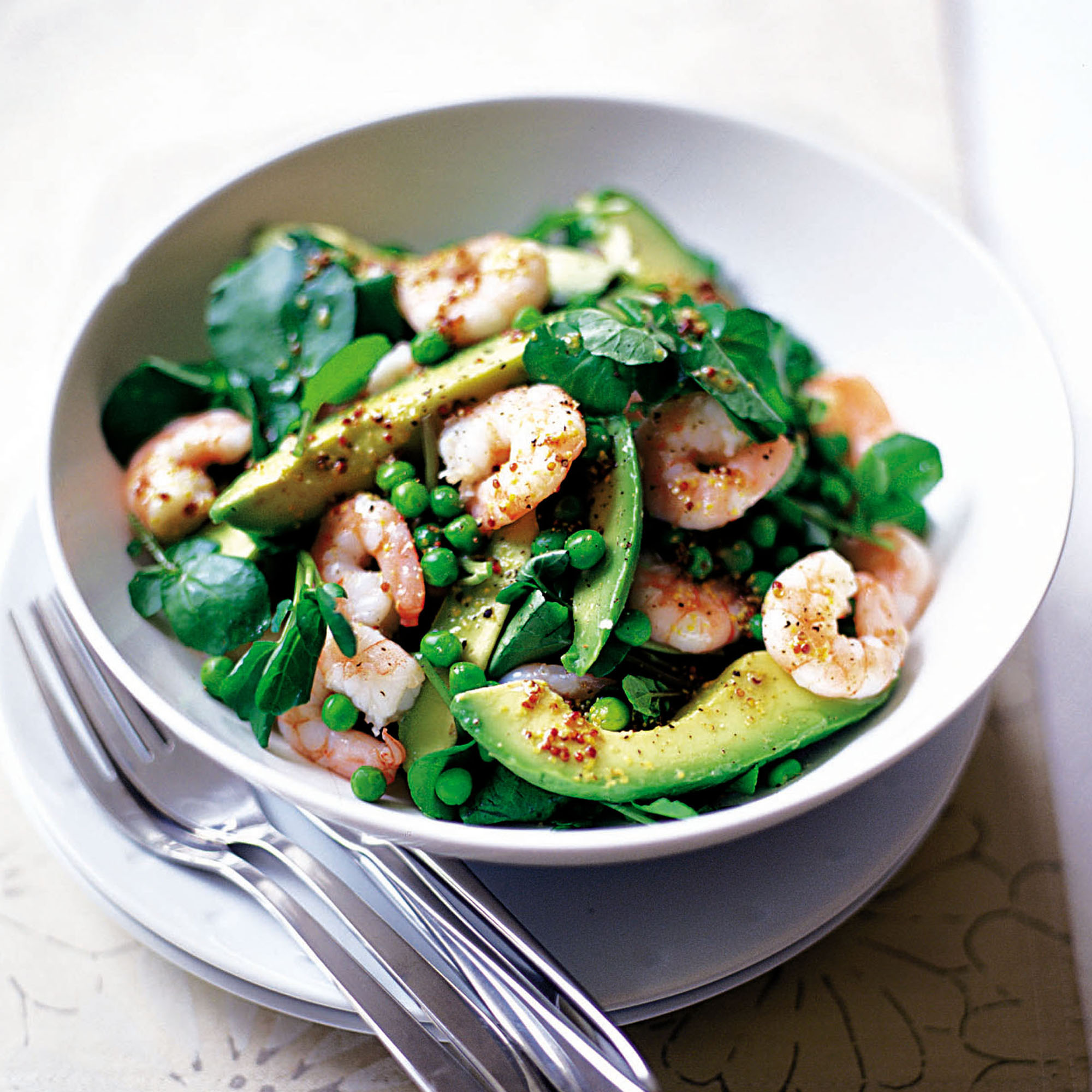 prawn and avocado salad with lemon dressing