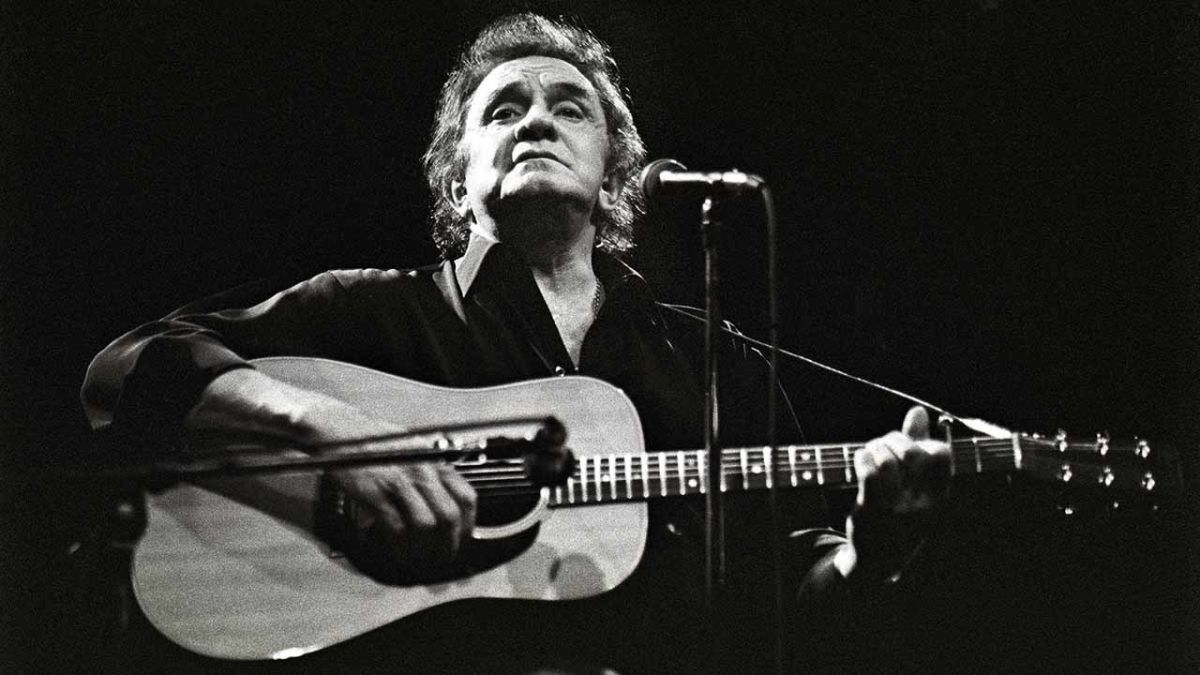 buyer 39 s guide how to buy the best of johnny cash louder. Black Bedroom Furniture Sets. Home Design Ideas
