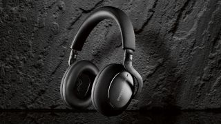 Bowers & Wilkins adds Carbon Edition to PX7 premium headphones