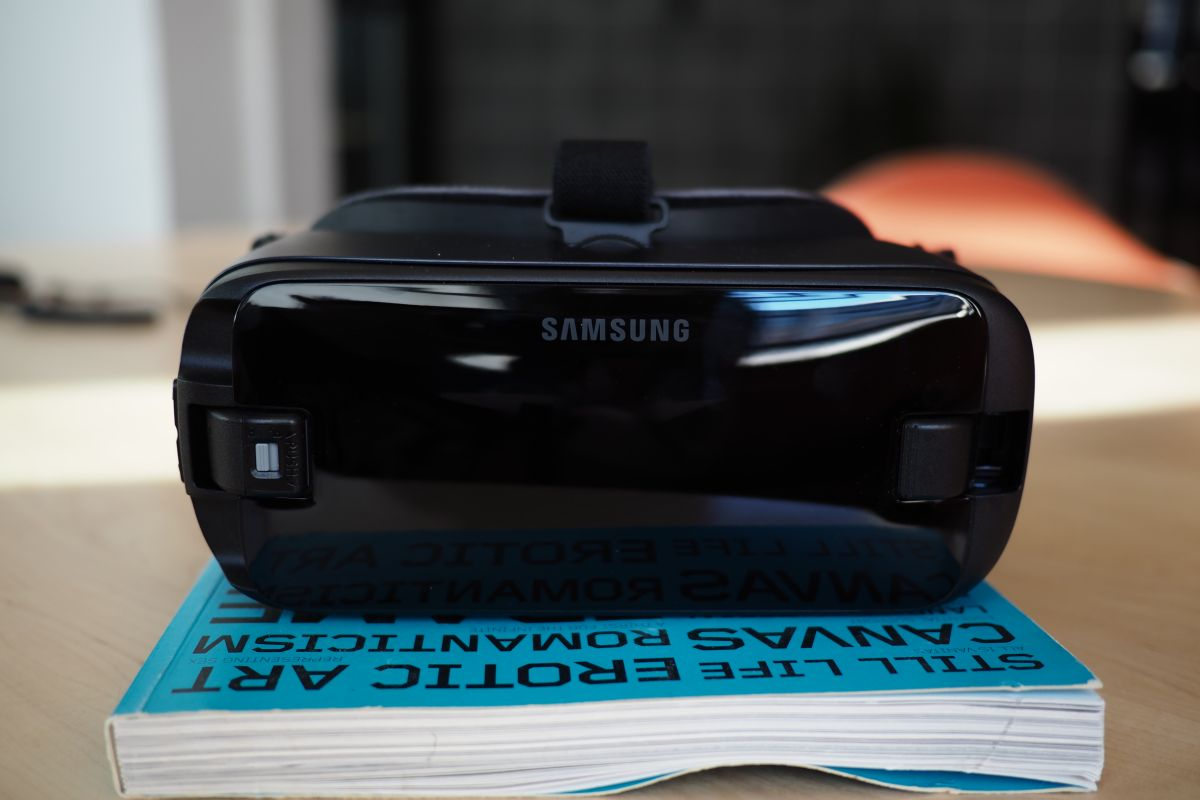 YouTube VR finally lands on Samsung Gear VR