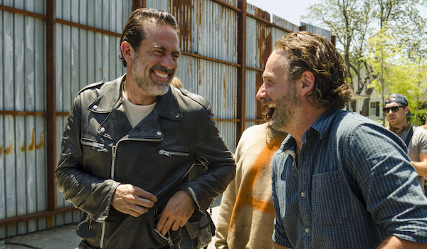jeffrey dean morgan and anderw lincoln laughing