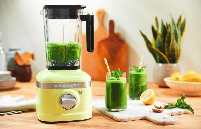 The KitchenAid K400 Artisan Blender in 'Kyoto Glow' green
