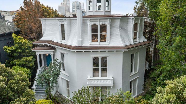 white octagon house