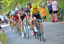 Chris Froome (Sky) had a hard day in yellow as he spent much of stage 9 without any support of teammates.