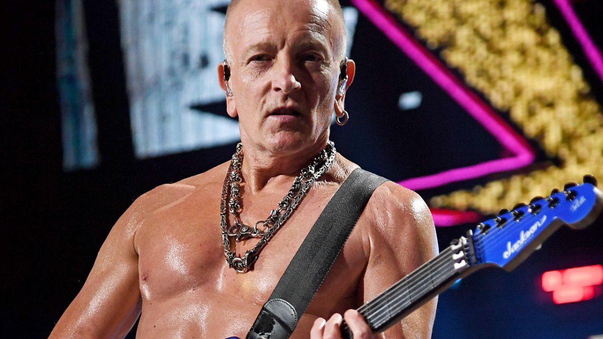 Do you wanna get ripped? Def Leppard's Phil Collen announces 30-day fitness challenge