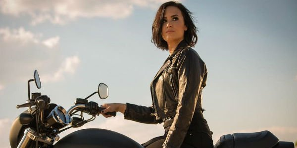 "Demi Lovato ""Confident"" Music Video"