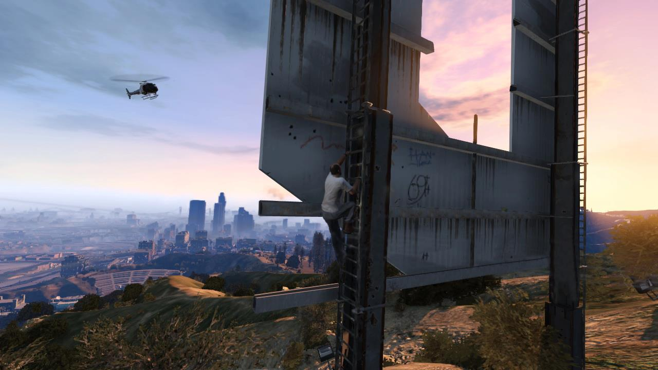 GTA 5 Screenshots: Broken Glass And A Plane Crash #24664