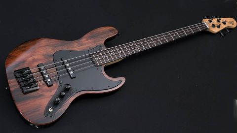 Michael Kelly Custom Collection Element 4