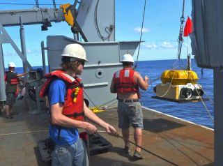 mariana trench research, mariana trench expedition, plate tectonics news, what the mantle is made of, earth science news, deep-sea news, earth