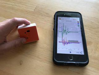 Sensor and smartphone