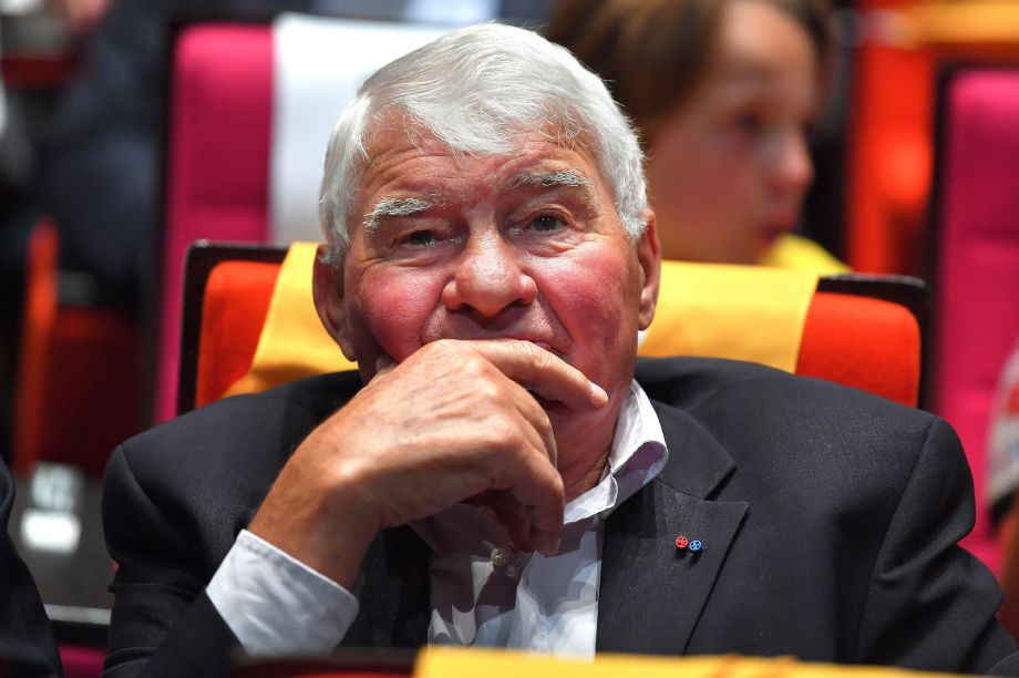 Raymond Poulidor's condition has 'improved significantly'