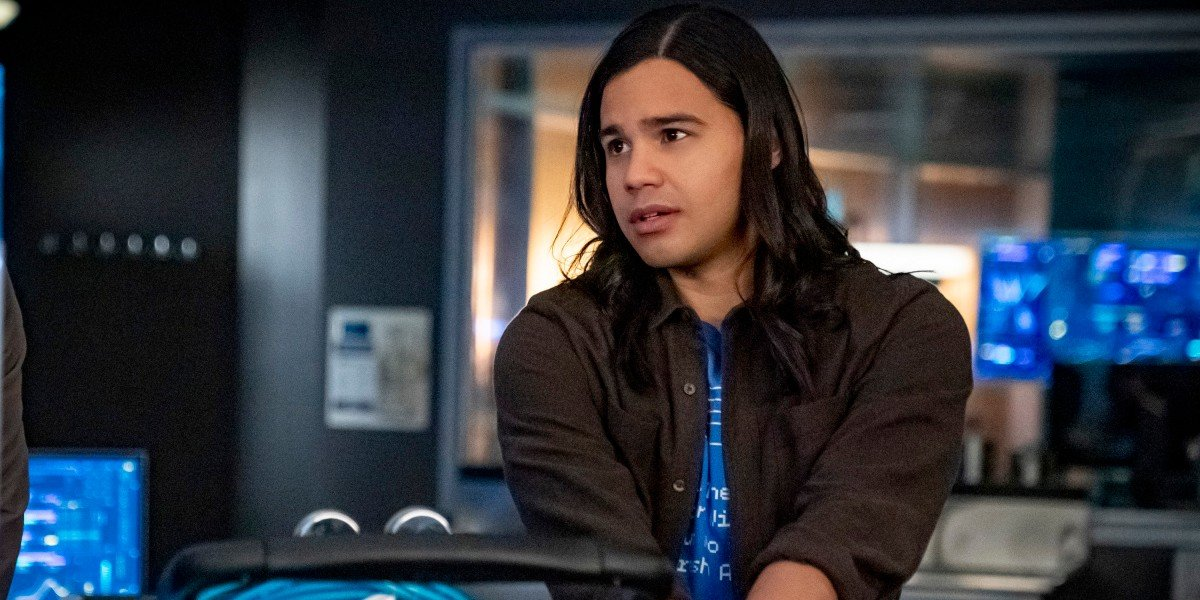 Cisco looking sad The Flash CW