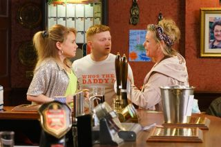 Gemma and Chesney get closer in Coronation Street