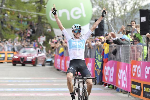 Chris Froome moves into the Giro d Italia pink jersey after stunning 80km  break to take stage 19 win 7fe6fd048