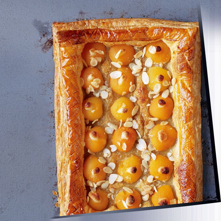 Apricot and Almond Galette-woman and home-recipes
