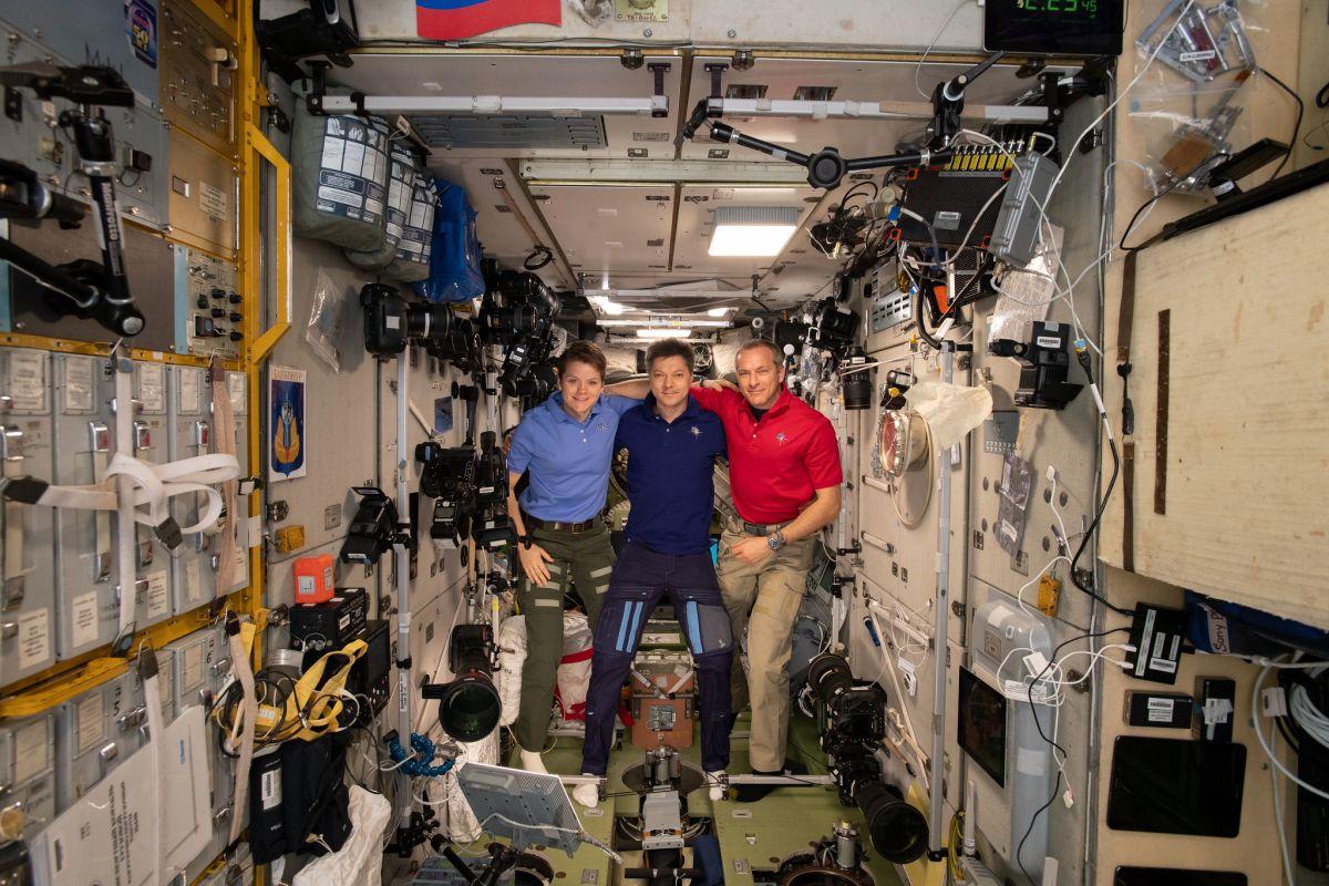 international space station astronauts return to earth - photo #20