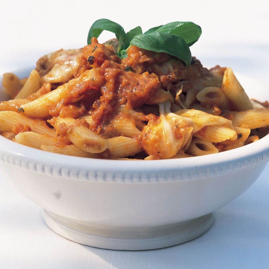 Penne Rigate with Fresh Tomato Sauce and Mozzarella Recipe forecast